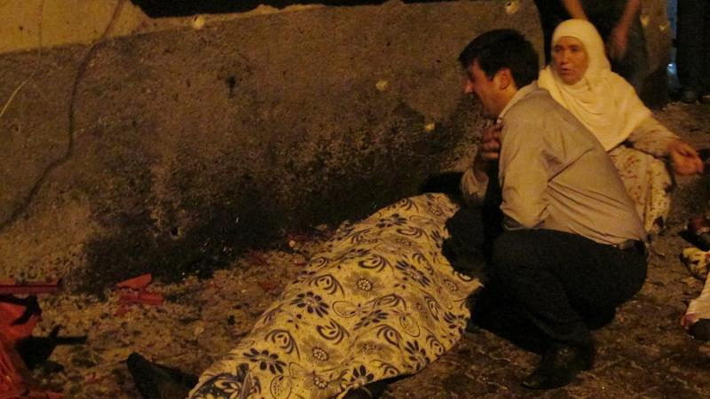 A suicide bomber believed to be aged between 12 and 14 has attacked a wedding party in Turkey.