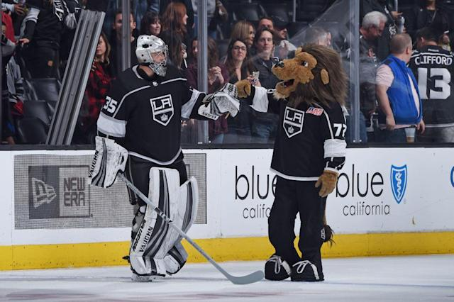 Darcy Kuemper has been rock solid between the pipes for the Los Angeles Kings. (Adam Pantozzi/NHLI via Getty Images)