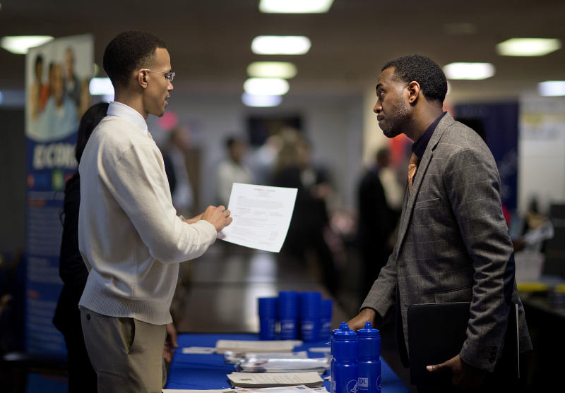 Weekly US unemployment benefit claims drop to 330K