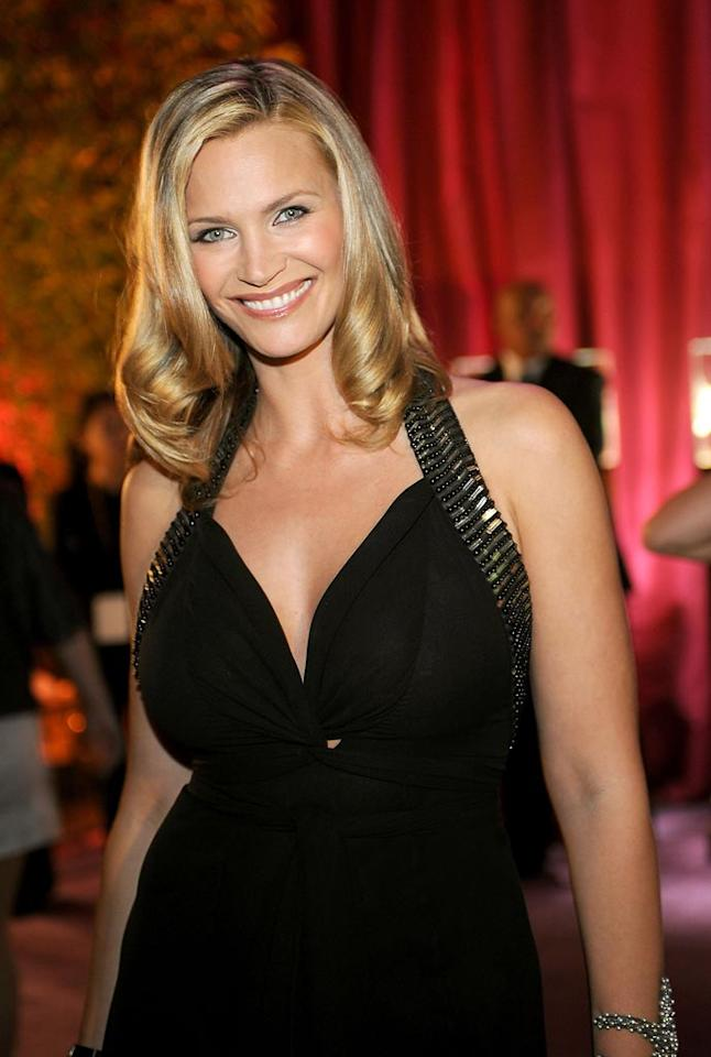 "<a href=""http://movies.yahoo.com/movie/contributor/1800018866"">Natasha Henstridge</a> attend the 16th Annual Elton John AIDS Foundation Oscar Party at the Pacific Design Center in West Hollywood - 02/24/2008"