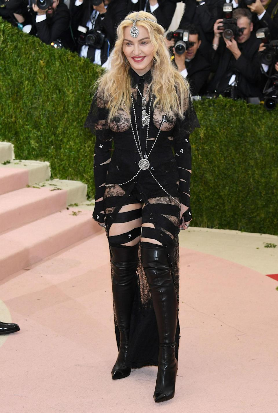 """<h1 class=""""title"""">Madonna in Givenchy Haute Couture</h1> <cite class=""""credit"""">Photo: Getty Images</cite>"""