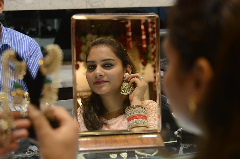 India's gold demand dropped rapidly after demonetisation