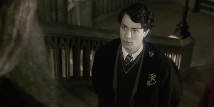 tom riddle hogwarts pensieve
