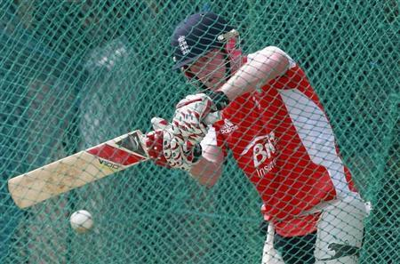 England's Paul Collingwood plays a shot during a practice session ahead of their ICC Cricket World Cup quarter-final match against Sri Lanka on Saturday, in Colombo March 23, 2011. REUTERS/Dinuka Liyanawatte/Files