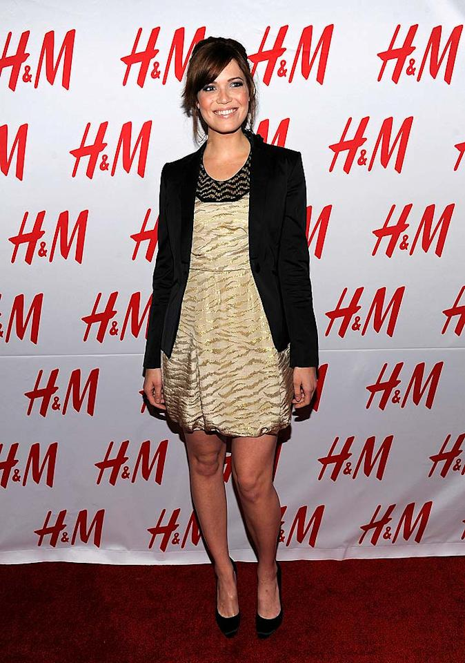 "Mandy Moore kept things simple in a gold print dress. Jordan Strauss/<a href=""http://www.wireimage.com"" target=""new"">WireImage.com</a> - November 11, 2008"