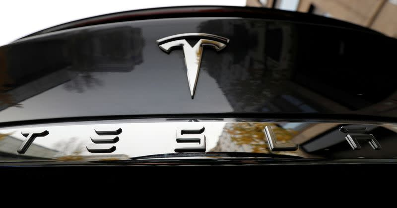 Volkswagen says Tesla has 10-year start in electric cars