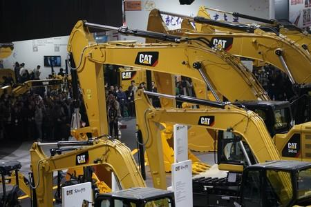 Caterpillar's machine sales in Asia-Pacific down 4% for three months