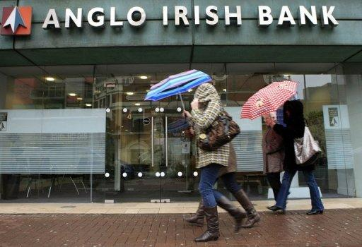 Irish lawmakers vote to liquidate Anglo Irish Bank