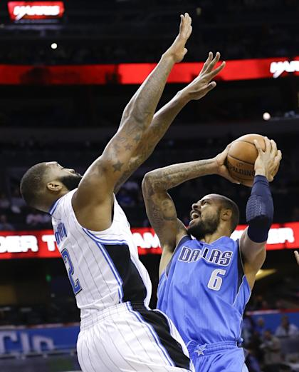 Kyle O'Quinn gives the rebuilding Knicks another interior defender. (AP/John Raoux)