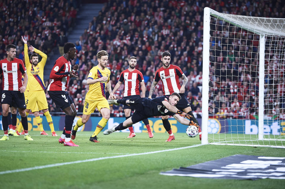 BILBAO, SPAIN - FEBRUARY 06: Unai Simon of Athletic Club in action  during the Copa del Rey quarter final match between Athletic Bilbao and FC Barcelona at Estadio de San Mames on February 06, 2020 in Bilbao, Spain. (Photo by Juan Manuel Serrano Arce/Getty Images)