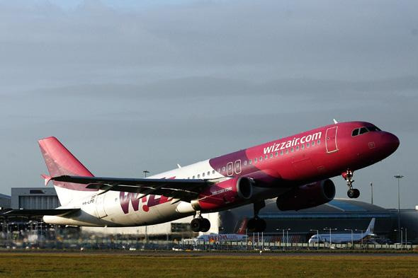 woman gives birth on wizz air flight