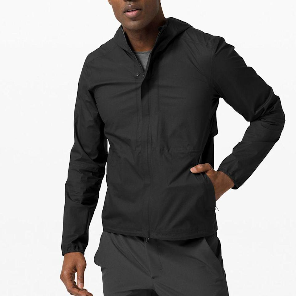 """<p><strong>Lululemon</strong></p><p>lululemon.com</p><p><strong>$198.00</strong></p><p><a href=""""https://go.redirectingat.com?id=74968X1596630&url=https%3A%2F%2Fshop.lululemon.com%2Fp%2Fmens-jackets-and-outerwear%2FPrecipitation-Jacket%2F_%2Fprod9750708&sref=https%3A%2F%2Fwww.menshealth.com%2Ftechnology-gear%2Fg27207975%2Fbest-golf-gifts%2F"""" rel=""""nofollow noopener"""" target=""""_blank"""" data-ylk=""""slk:BUY IT HERE"""" class=""""link rapid-noclick-resp"""">BUY IT HERE</a></p><p>Hardcore golfers won't let the elements stop them (well, except for lightning—that's a recipe for disaster). This sleek jacket is understated and function-forward, allowing you to play through on wetter days.</p>"""