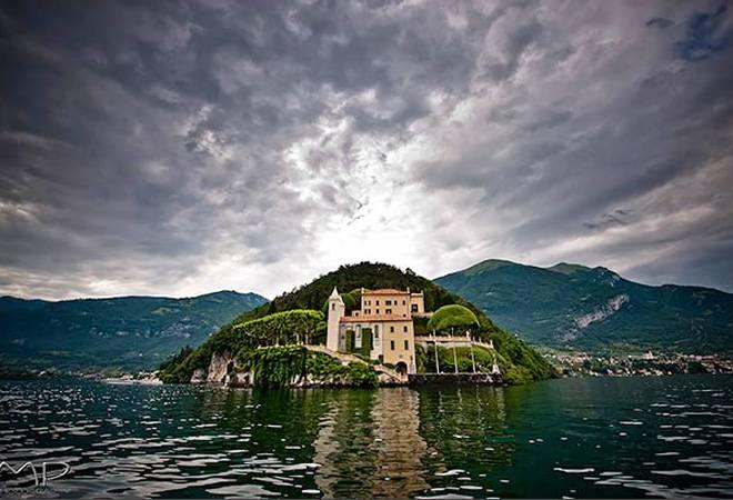 What does the common man have to do to take a lovely, peaceful vacation at Lake Como?