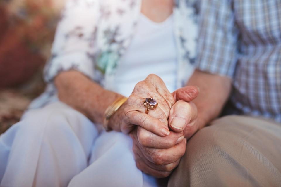 When loved ones die in quick succession it is often attributed to a broken heart [Photo: Getty]