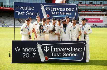 England closes in on series victory over South Africa