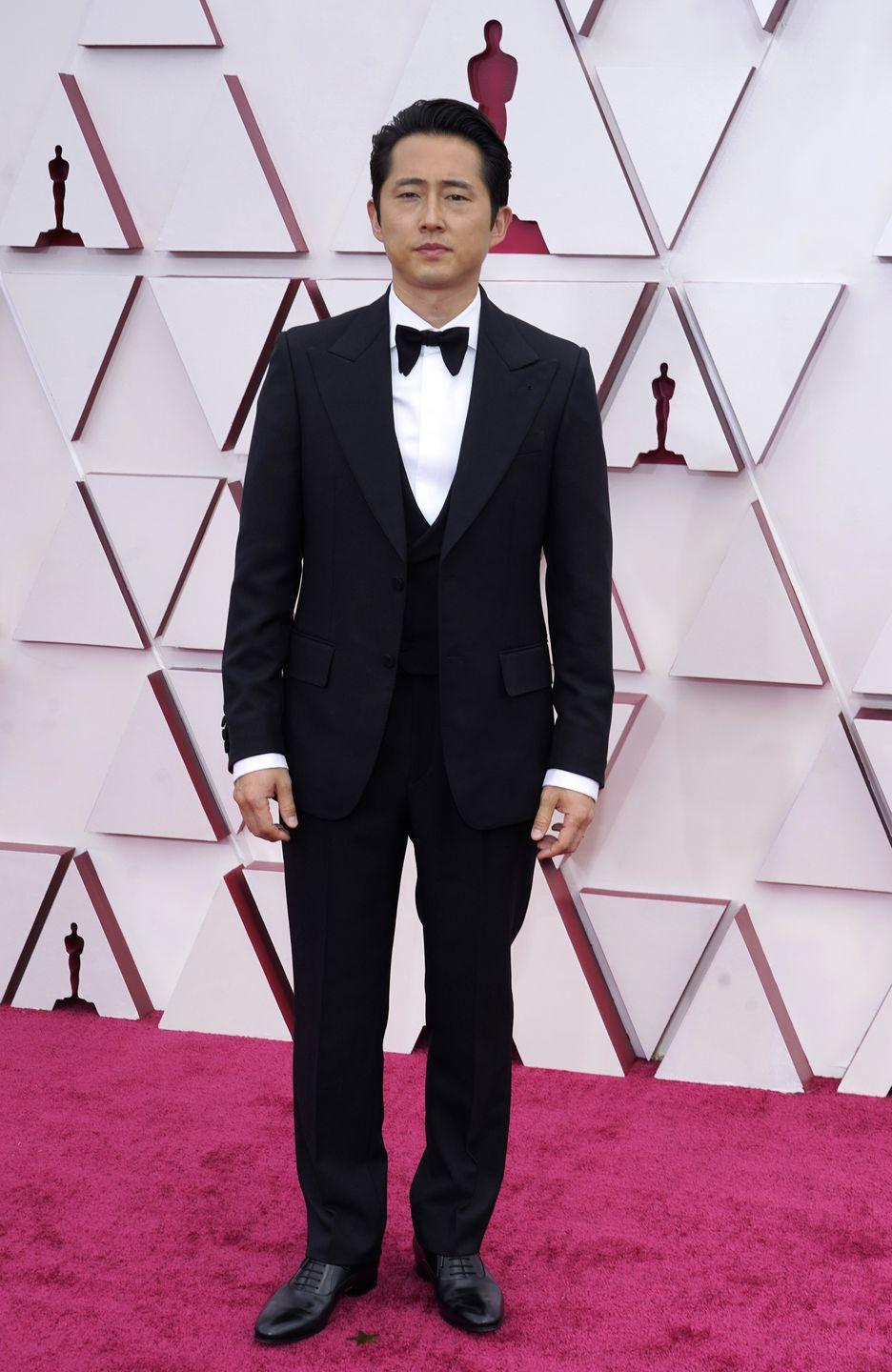 <p>Steven Yeun in a custom Gucci suit.</p>