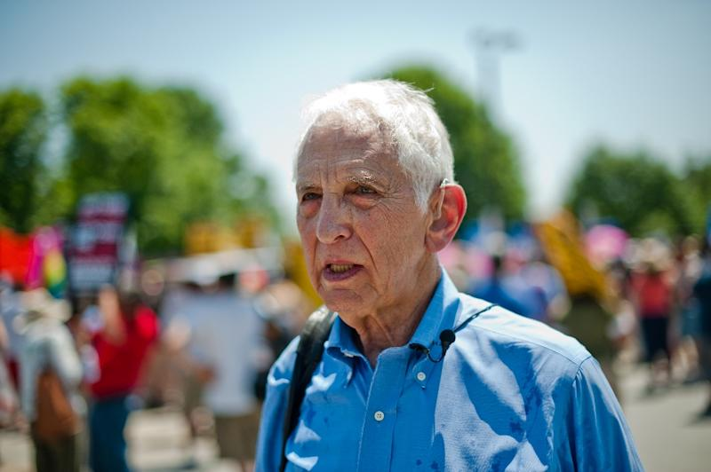 A picture dating from 2013 of Pentagon Papers whistleblower Daniel Ellsberg at a demonstration at Fort Meade in Maryland. (AFP Photo/NICHOLAS KAMM)