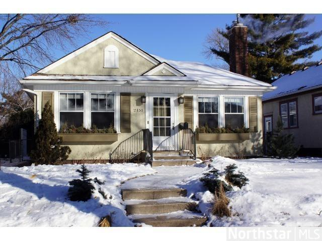 "<strong><a href=""http://homes.yahoo.com/search/Minnesota/Saint_Paul/homes-for-sale"" target=""_blank"">Saint Paul, MN</a></strong><br /> <p><a href=""http://homes.yahoo.com/Minnesota/Saint_Paul/2151-eleanor-ave:007db5b6df48dafae140bbb3216b0b20/"">2151 Eleanor Ave, Saint Paul, MN </a></p> <p>For sale: $255,000</p> <br /> <p>Steps away from town and the river, this 1925 bungalow is filled with classic charm. From original wood floors to a brick fireplace, the home interweaves historic features with updated amenities.</p>"