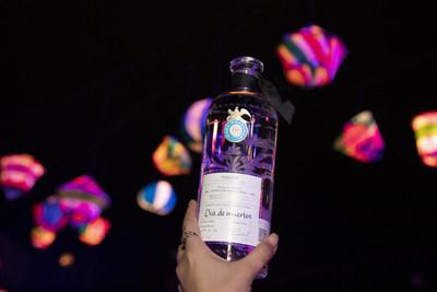 Limited-edition 10-year anniversary bottle of Joven designed for the occasion