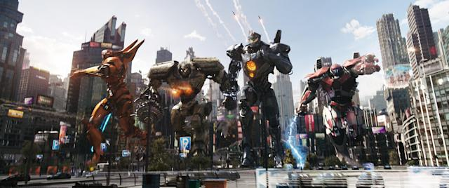 The teen-piloted Jaegers race into battle in <em>Pacific Rim Uprising</em>. (Photo: Universal Pictures/courtesy Everett Collection)