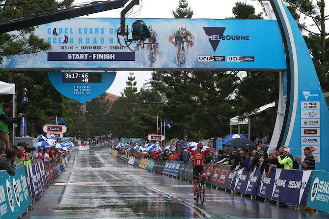 Sunweb's Liane Lippert defies both her competition and the rain to win the 2020 women's Cadel Evans Great Ocean Road Race