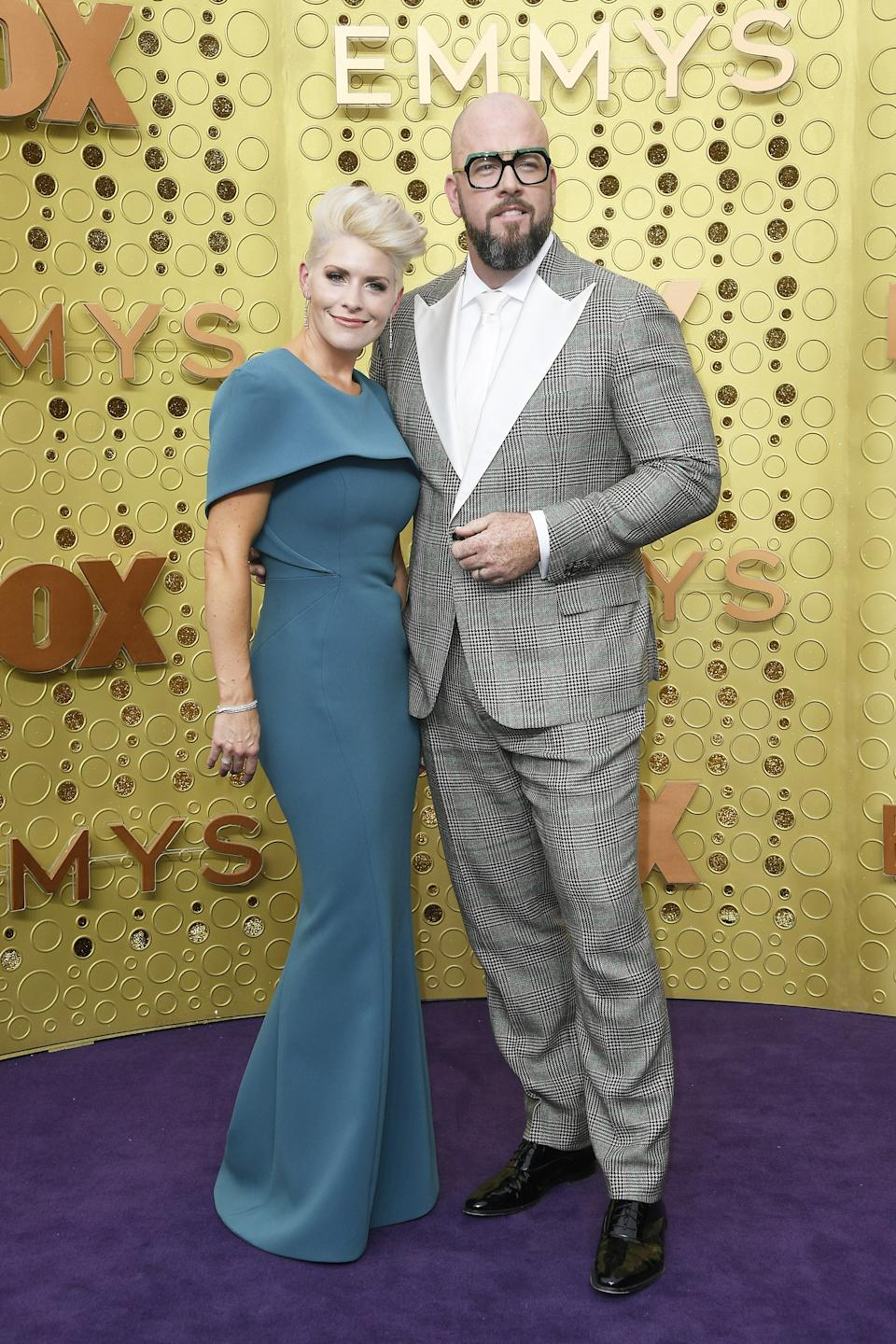"""<h1 class=""""title"""">Rachel Reichard and Chris Sullivan in Brooks Brothers</h1><cite class=""""credit"""">Photo: Getty Images</cite>"""