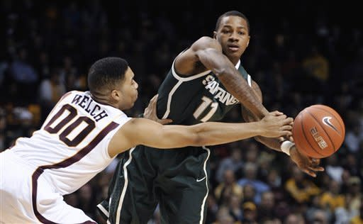 No. 6 Michigan State beats Minnesota 66-61