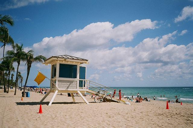 <p>They don't called it the Sunshine State for nothing. Florida basks in 20C temperatures even in winter and boasts 1,350 miles of coastline, with some of its major cities – including Miami, Jacksonville and Fort Lauderdale – set on its sandy edge. As well as beaches, there's also a number of stellar theme parks to visit. [Photo: Flickr/Phillip Pessar] </p>