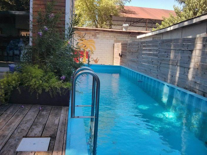 A gorgeous DIY shipping container pool in Austin, Texas.