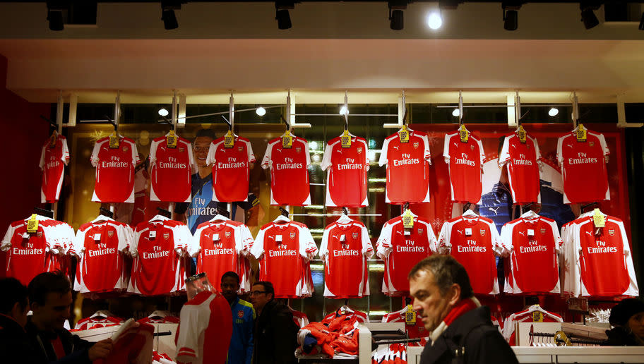"​Arsenal boast the Premier League's biggest replica shirt size available for fans, ​The Sun have reported. Gunners supporters, along with fans of Leicester and Stoke, can purchase jerseys up to a 6XL. The maximum shirt size of London rivals Chelsea, XXL, is dwarfed by the biggest Arsenal top, which fans can buy for £55. Sheffield Wednesday's Tango Man Paul Gregory said: ""A size 6XL wouldn't be a tent on me, it would be a marquee. ""I'm only a 2XL, though I haven't worn a shirt for 26 years. I..."