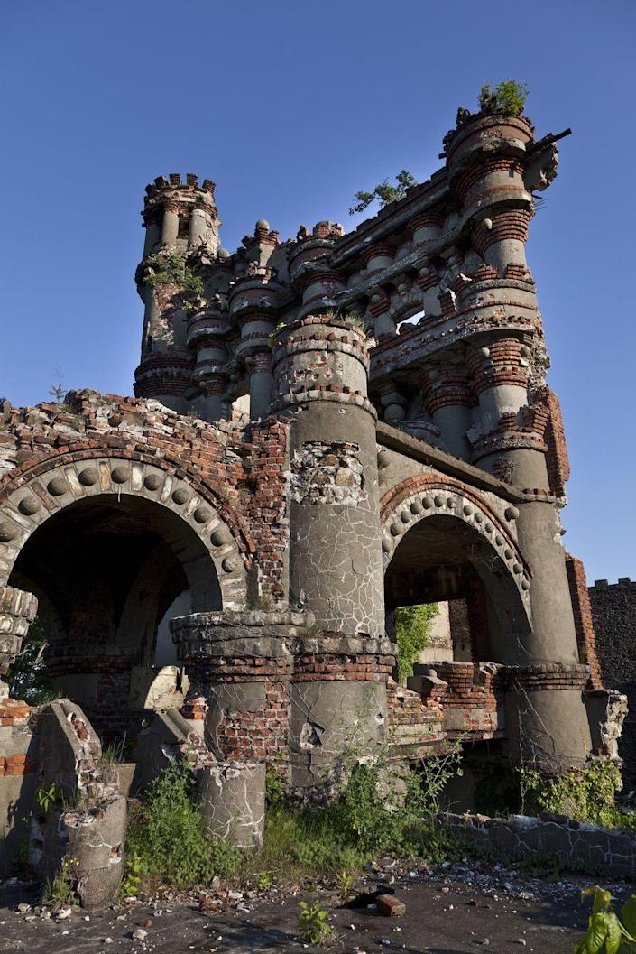 <p>This castle was intended to be used as storage for American military supplies after the war with the Spanish, but in 1920, 200 pounds of ammunition went off, leaving it mostly destroyed. </p>