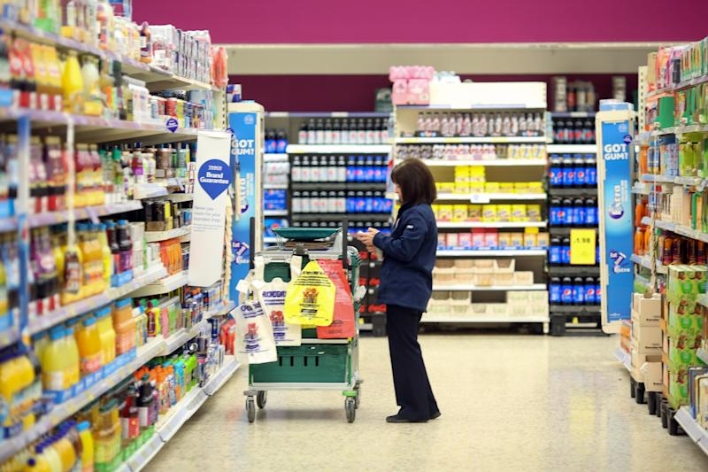 Tesco delays cuts to Clubcard Rewards until 10 June