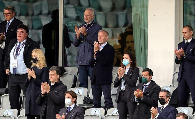 Chelsea owner Roman Abramovich (centre) spoke to the players after Sunday's game (Adam Ishe/PA).