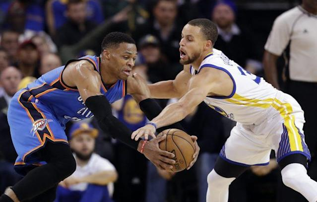 "<a class=""link rapid-noclick-resp"" href=""/nba/players/4612/"" data-ylk=""slk:Stephen Curry"">Stephen Curry</a> and <a class=""link rapid-noclick-resp"" href=""/nba/players/4390/"" data-ylk=""slk:Russell Westbrook"">Russell Westbrook</a> fought for one starting spot in the Western Conference. (AP)"