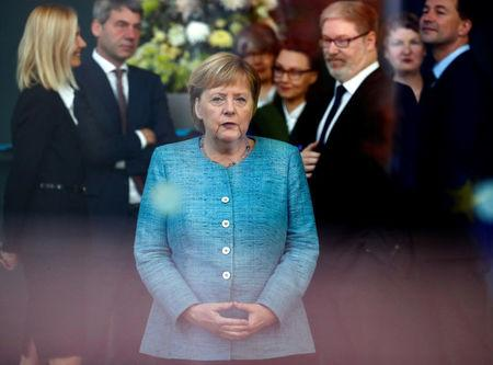 Merkel Says Her Step-Down as CDU Leader Unlikely to Affect International Talks