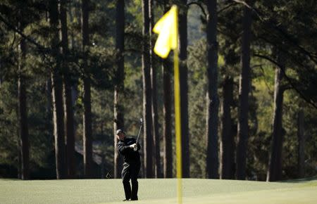 William McGirt of the U.S. chips on to the eighth green in second round play during the 2017 Masters golf tournament at Augusta National Golf Club in Augusta, Georgia, U.S., April 7, 2017. REUTERS/Brian Snyder