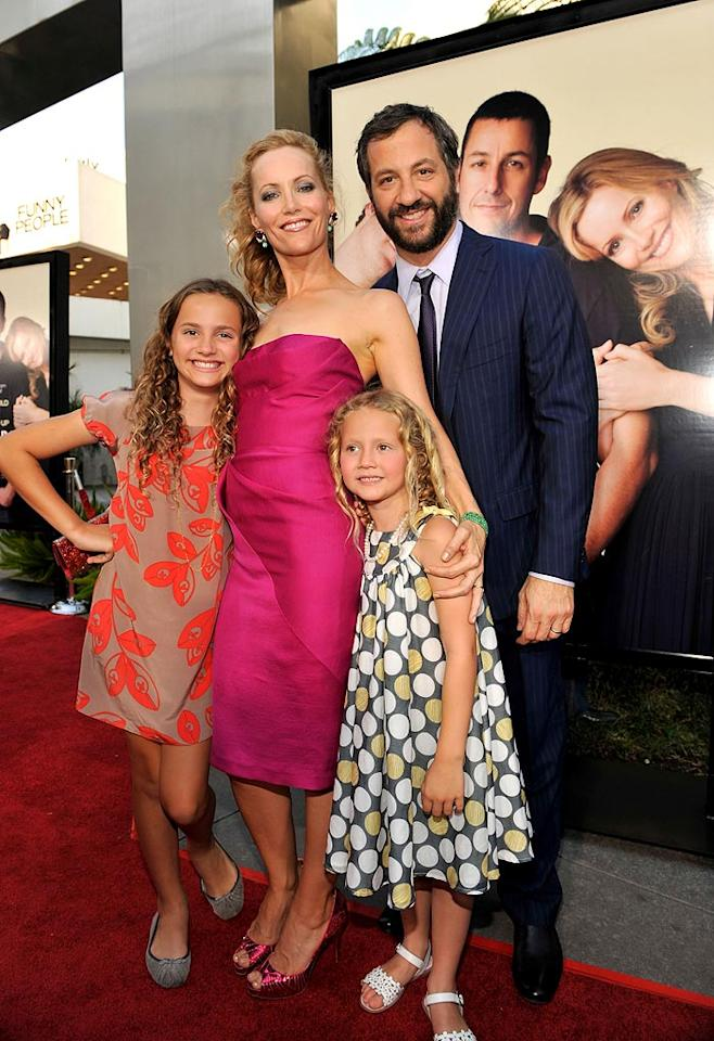 """Maude Apatow, <a href=""""http://movies.yahoo.com/movie/contributor/1800018715"""">Leslie Mann</a>, Iris Apatow and Writer/Director/Producer <a href=""""http://movies.yahoo.com/movie/contributor/1804503686"""">Judd Apatow</a> at the Los Angeles premiere of <a href=""""http://movies.yahoo.com/movie/1810041785/info"""">Funny People</a> - 07/20/2009"""