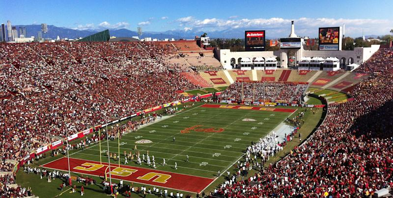 Los Angeles Memorial Coliseum to be renamed United Airlines Memorial Coliseum