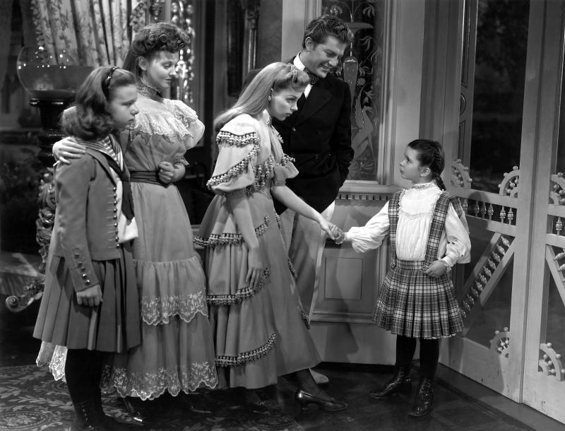 O'Brien and her on-screen sisters Joan Carroll, Lucille Bremer and Judy Garland in a scene from 'Meet Me in St. Louis' (Photo: Courtesy Everett Collection)