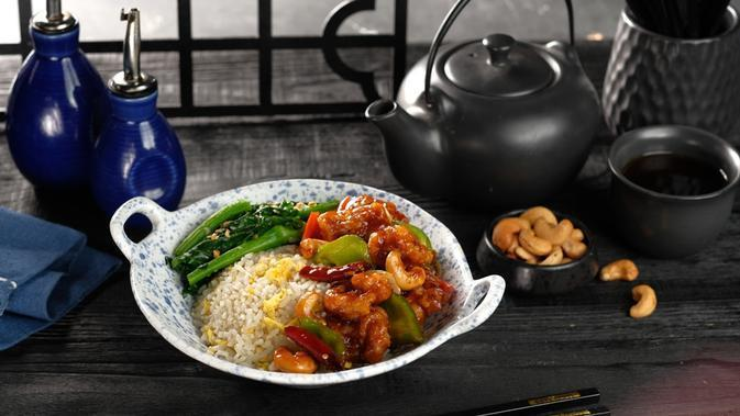 Kung Pao Chicken. (Crisp-Tender Chicken Pieces with Combination of Salty. Sweet and Spicy Taste)