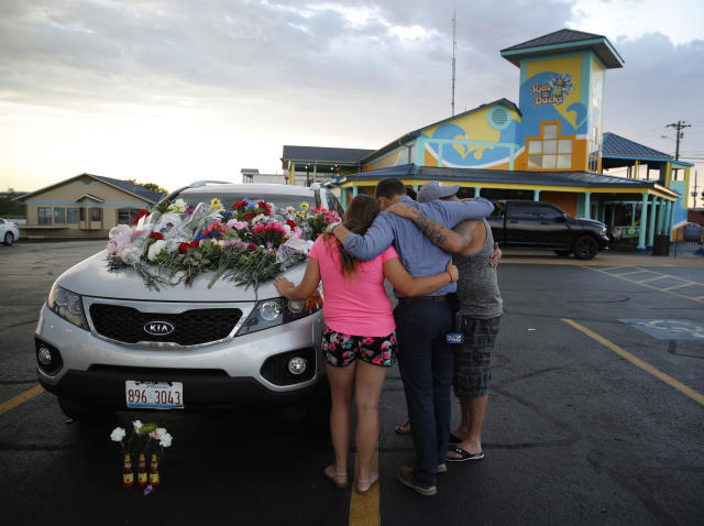 A community is grieving after the deaths of 17 people in the boat accident in Missouri — including nine members of one family. (Photo: AP)