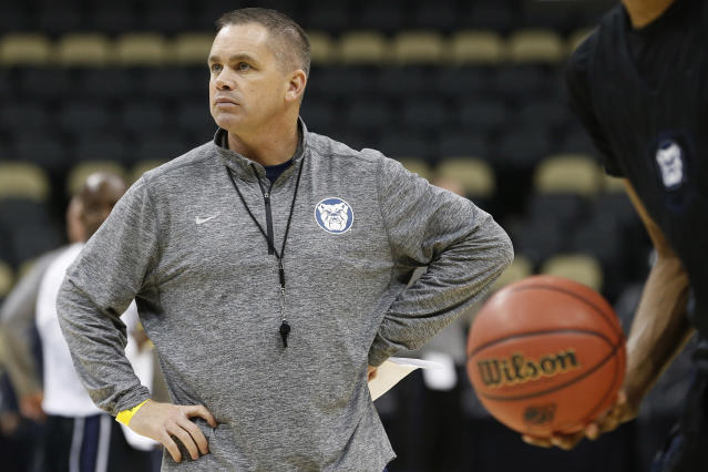 Butler coach's clever response to Obama bracket diss