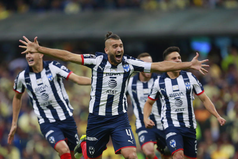 MEXICO CITY, MEXICO - DECEMBER 29: Players of Monterrey celebrate after the Final second leg match between America and Monterrey as part of the Torneo Apertura 2019 Liga MX at Azteca Stadium on December 29, 2019 in Mexico City, Mexico. (Photo by Mauricio Salas/Jam Media/Getty Images)