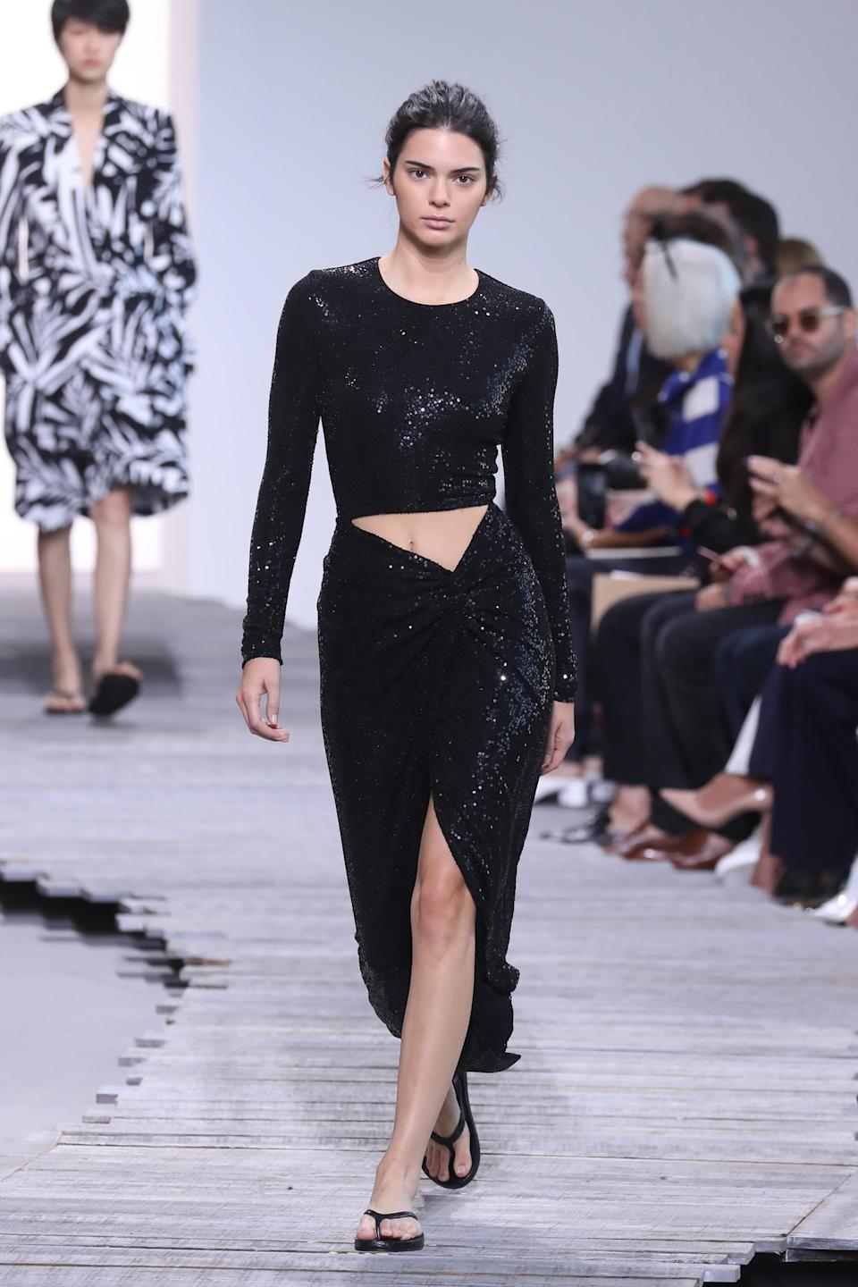 <p>The 22-year-old Kardashian offspring is the highest paid model of 2017, more than doubling her earnings from last year. Scoring herself £16.6 million, she has starred in campaigns for Estee Lauder, La Perla and Fendi and appeared on the catwalks in almost every city.<br><i>[Photo: Getty]</i> </p>