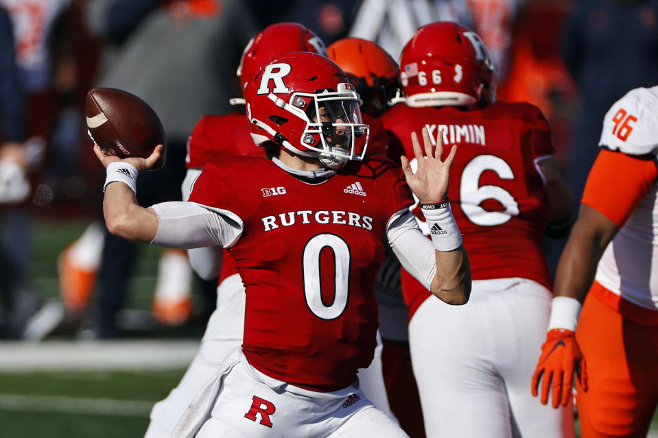 Rutgers quarterback Noah Vedral passes during the first half of an NCAA college football game against Illinois on Saturday, Nov. 14, 2020, in Piscataway, N.J. (AP Photo/Adam Hunger)