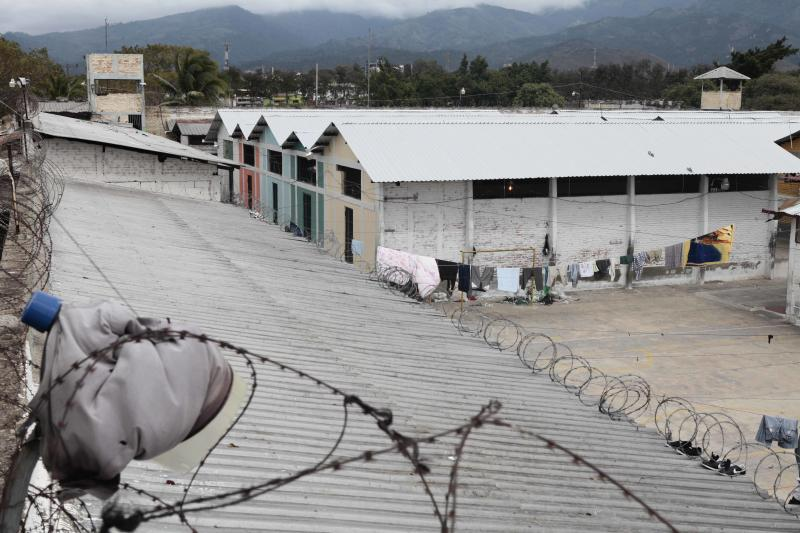 Little change in Honduras prison where 362 died