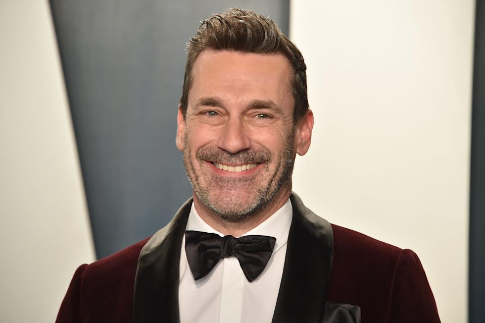 BEVERLY HILLS, CALIFORNIA - FEBRUARY 09: Jon Hamm attends the 2020 Vanity Fair Oscar Party at Wallis Annenberg Center for the Performing Arts on February 09, 2020 in Beverly Hills, California. (Photo by David Crotty/Patrick McMullan via Getty Images)