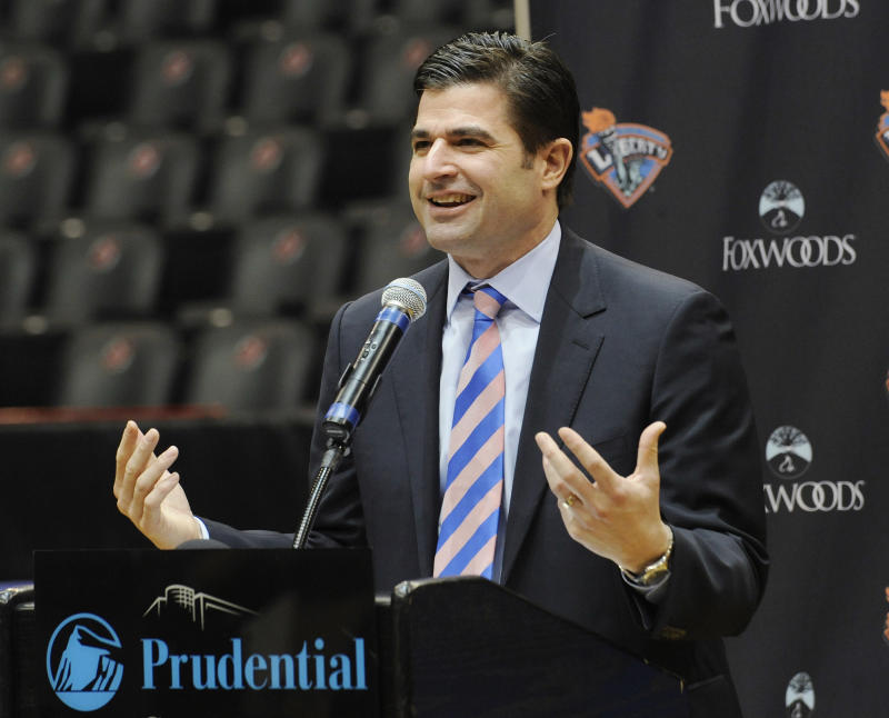 Aron steps down as 76ers CEO; O'Neil takes over