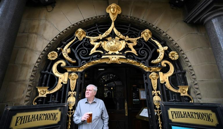 Its art nouveau entrance gates are considered to be among the finest of their style in England