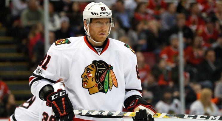 Blackhawks' Marian Hossa dealing with serious equipment allergy